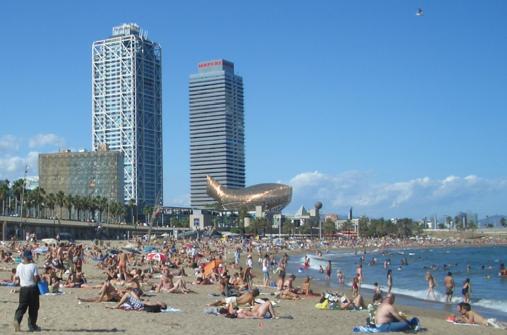 Barceloneta un quartiere sulla spiaggia viaggi a barcellona for Vacanze a barcellona mare